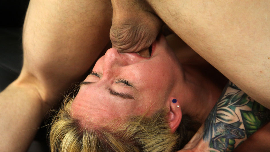 Husband to lick wife cunt clean of lovers spunk